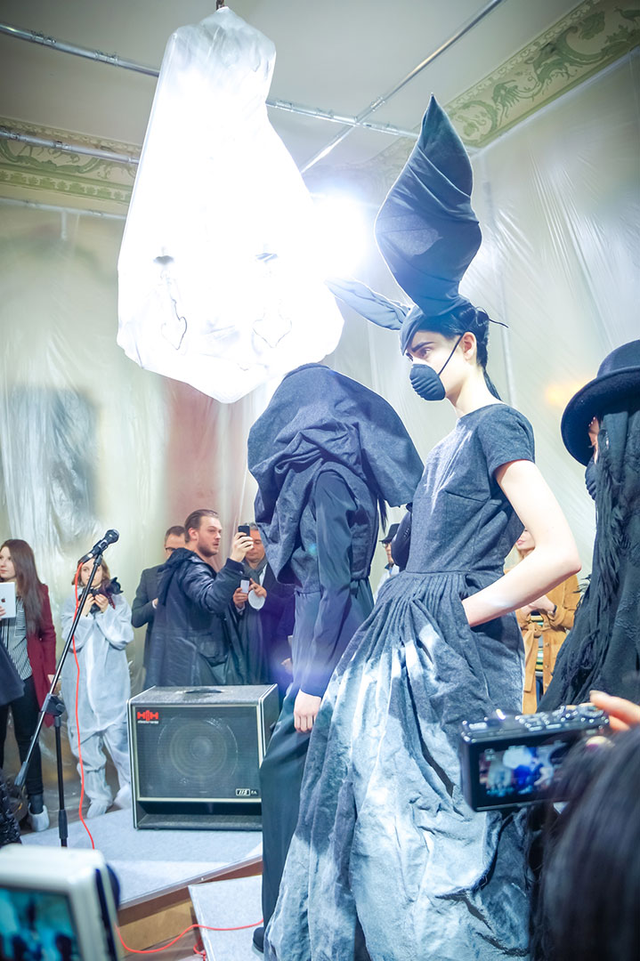 paris-fashion-week-vandevorst-fw16-photo-by-polina-paraskevopoulou-la-vie-en-blog-paris-17