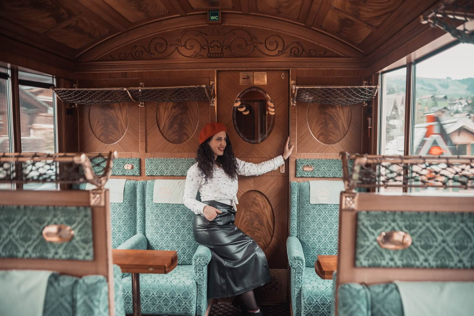 belle-epoque-train-switzerland-lavienblog-allrightsreserved